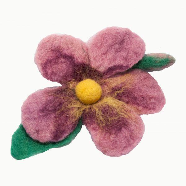Brož kytka fialová se žlutým středem