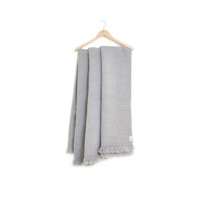 Vlněná polo-merino deka šedá, kostky 150 x 200 cm